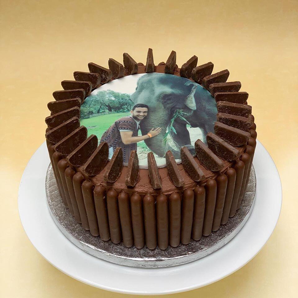 Photo with Chocolate Fingers – Edible Print