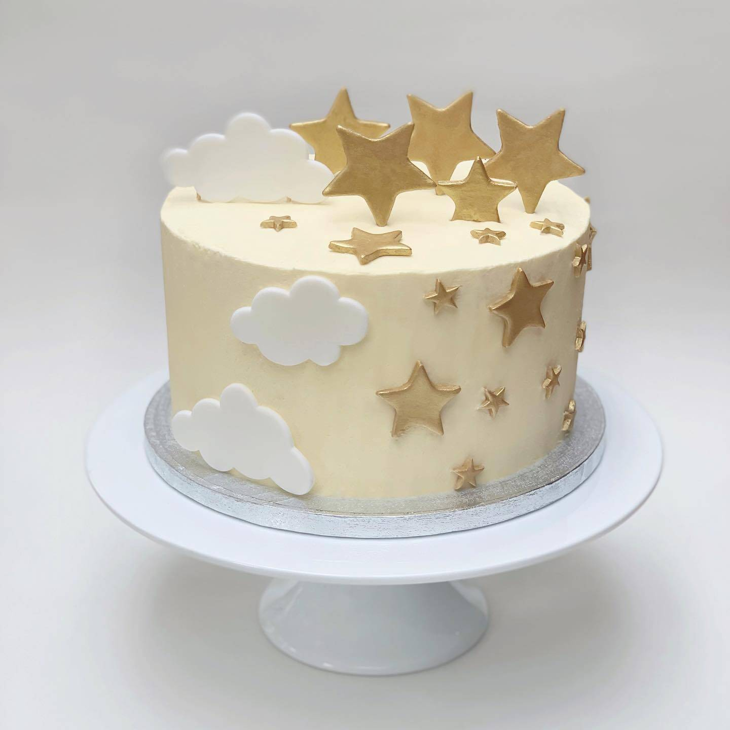 Baby Shower Cake with Fondant Gold Stars and Fondant Clouds