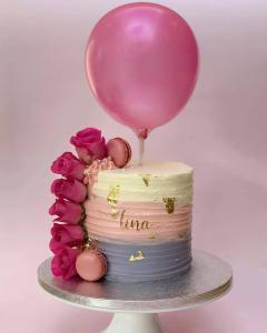 Macaroons Cake with Balloon